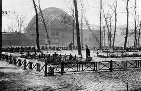 notfriedhof_zoobunker_und-planetarium1946
